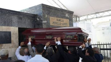Photo of Amigos y familiares dan el últimos adiós a Rafael Perelló
