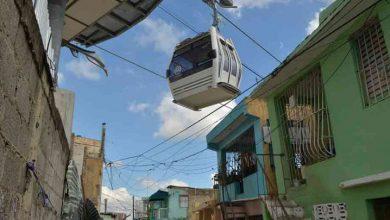 Photo of Las cabinas del Teleférico casi rozan las casas en Gualey