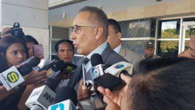 Photo of Abogado y autoridades coordinan entrega a la justicia de Argenis Contreras por caso Yuniol Ramírez