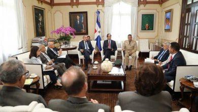 Photo of Danilo Medina da plazo de 15 días para entregar lista de proyectos fronterizos
