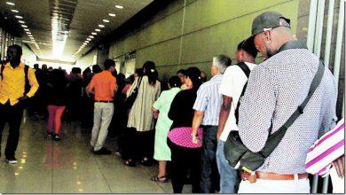 Photo of Video: Dominicanos abarrotan embajada en Chile en busca de documento para regularizarse