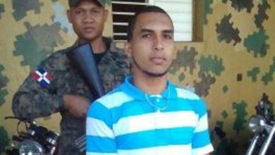 Photo of Hombre acusado de homicidio se escapa del Palacio de Justicia de Bonao y hace un atraco