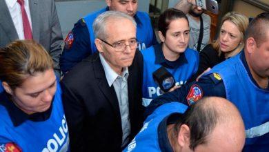 Photo of Condenan a 25 años de prisión a cura que abusó de siete menores en Argentina