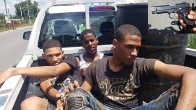 Photo of Patrulla de MOPC arresta por accidente a banda de delincuentes