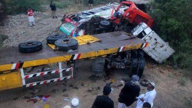 Photo of Pakistán: Camión golpea a bus que trasladaba invitados de boda y causa 15 muertos