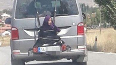 Photo of Detienen hombre por manejar con su hija atada a la parte trasera del carro en Turquía
