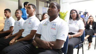 Photo of Estudiantes meritorios participaran en programa de tecnología