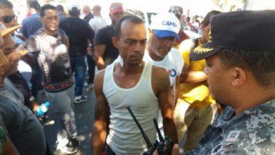 Photo of Varios choferes heridos de perdigones en Santiago en protestas por alza de combustibles