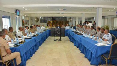 Photo of Altos mandos de la Policía y FF.AA. coordinan acciones para ofrecer mayor seguridad ciudadana