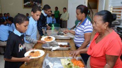 Photo of Reportan intoxicación de estudiantes y profesores en liceo de Hatillo Palma tras ingerir almuerzo escolar