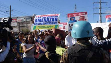 Photo of Marchan al Palacio Nacional exigiendo bajen precios de los combustibles