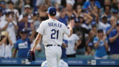 Photo of Buehrle, jonrones ayudan a Dodgers a llevarse el Oeste de la L.N. por 6to año seguido