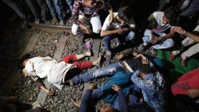 Photo of Al menos 50 muertos por atropello de un tren cerca de paso a nivel en India