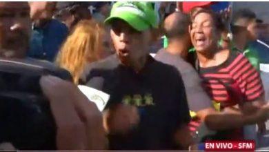 Photo of Decenas de personas protestan contra sentencia de 5 años dictada a Marlin Martínez