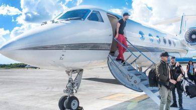 Photo of Romeo Santos llega a Santo Domingo en su jet para show en el Olímpico