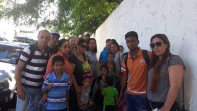 Photo of Venezolanos quieren regresar y piden ayuda a su embajada
