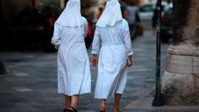Photo of Monjas desfalcan colegio católico con medio millón de dólares y lo apuestan en Las Vegas