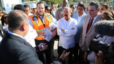 Photo of Medina recorre San Pedro acompañado del senador y de Lila Alburqueque