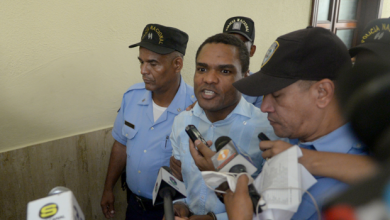 Photo of Aplazan juicio preliminar contra esposa de Donni Santana