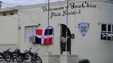 Photo of Multitud intenta linchar mujer se robaría niño en Boca Chica