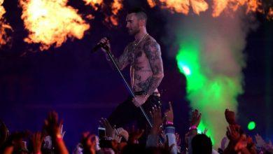Photo of Maroon 5 desata una lluvia de fuego y cohetes en el «Super Bowl»