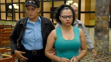 Photo of Dejan en libertad a esposa de Donni Santana, acusado de incestro contra hijastra
