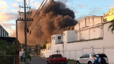 Photo of Fuego afecta fábrica de plásticos en la zona industrial de Haina