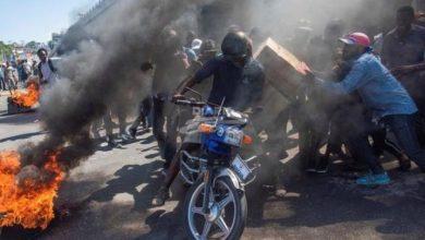 Photo of Haití continúa paralizado mientras el presidente Moise guarda silencio