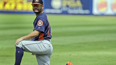 Photo of José Altuve «día a día» por molestia en un costado