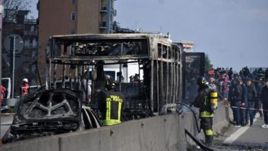 Photo of Hombre secuestra autobús con 51 estudiantes en Italia
