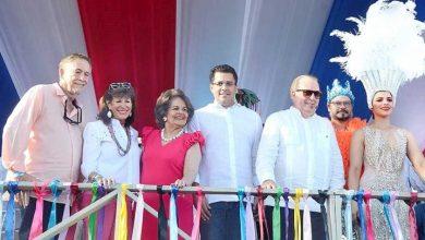 Photo of Carnaval llena de colorido el malecón