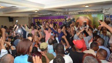 Photo of Los movimientos de apoyo a la reelección del presidente Danilo arrancan en Azua