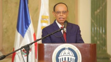 Photo of Lidio Cadet dice que el gobierno investiga varios casos de corrupción