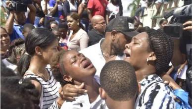 Photo of Acusan familia de adolescente de permitir que golpeara niña que luego falleció