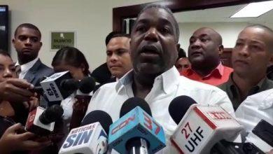 Photo of Tony Peña Guaba renuncia del PRD tras 51 años de militancia