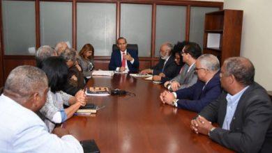 Photo of Médicos y ARS llegan a acuerdo que firmarán en la mañana de este miércoles