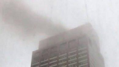 Photo of Un muerto en choque de un helicóptero contra un rascacielos en Nueva York