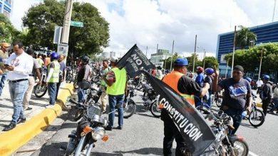 Photo of Cientos de motoristas firman libro contra reforma constitucional