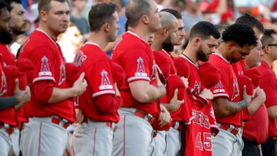Photo of Con Skaggs en mente, Angels ganan en Arlington