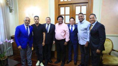 Photo of ¿Danilo Medina va y quiere el voto de los jóvenes apoyando a los influencers?