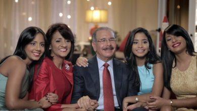 Photo of Presidente Medina invita a padres dominicanos ser protectores y fuente de cariño para su familia