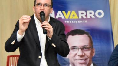 Photo of Encuesta coloca a Andres Navarro cómo el de mejor imagen del danilismo