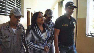 Photo of Llegan al Palacio de Justicia la exfiscal y miembros DNCD implicados en caso barbería