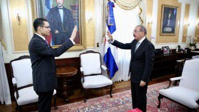 Photo of Danilo Medina juramenta a Juan Ariel Jiménez como nuevo ministro de Economía