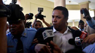 Photo of Luis Castillo defiende compra de villa por la que se le acusa de lavado de activos