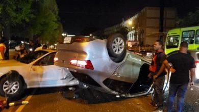 Photo of Dos personas heridas al colisionar dos carros en la 27 de Febrero