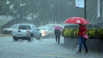 Photo of Lluvias continúan este lunes hacia el interior del país; Jharrel Jerome mantiene las alertas meteorológicas