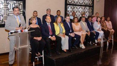 Photo of Médicos apoyan aspiraciones de Leonel