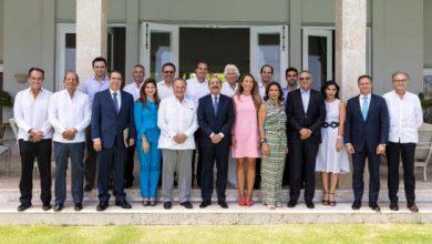 Photo of Danilo Medina trata situación del turismo en Punta Cana con los hoteleros