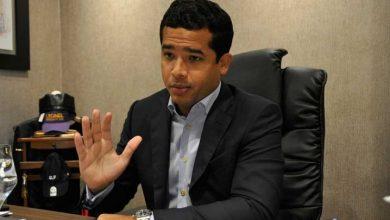 Photo of Omar Fernández se despide «de los engreídos del Palacio»; Nicole publica logo de la LFP
